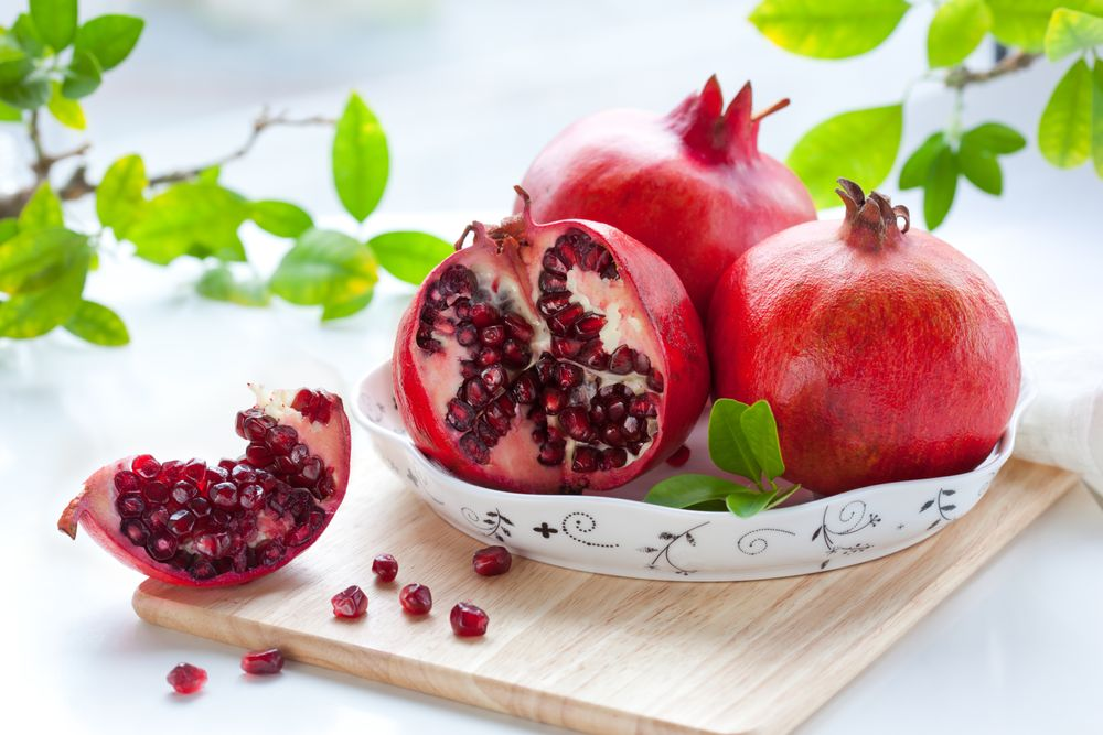 Pomegranate: Nutritional Facts, Health Benefits, and 3 Summer Recipes